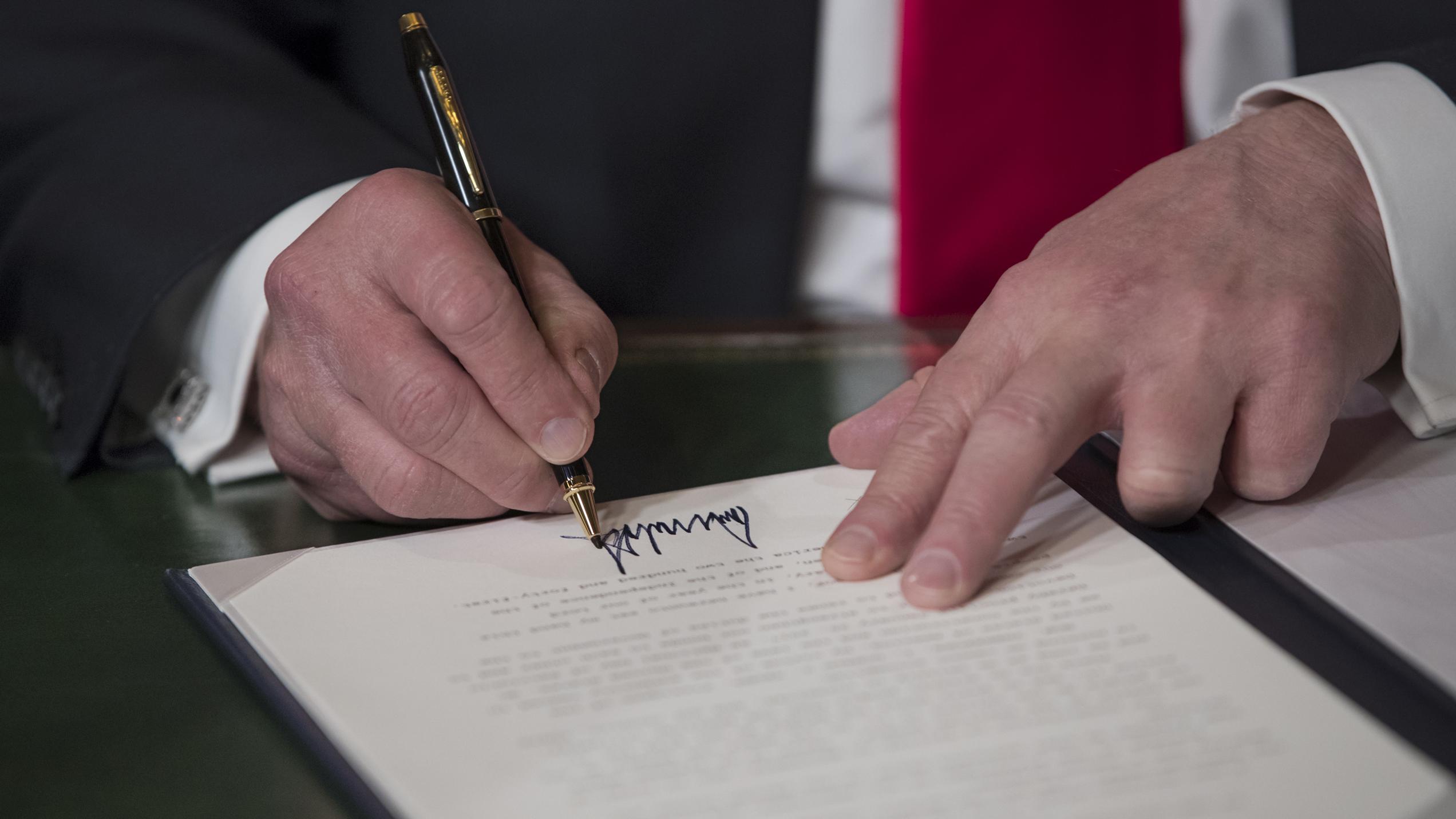 Donald Trump signs 2018 Farm Bill legalizing hemp